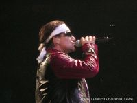 16706Bono_in_Jacket_4_28_05_Vancouver_Interference_.JPG
